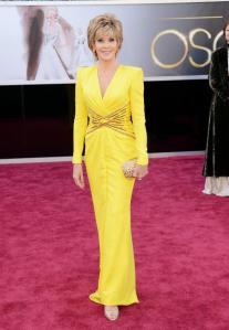 Jane Fonda ficou legal. Achei o look chic, alegre e adequado.