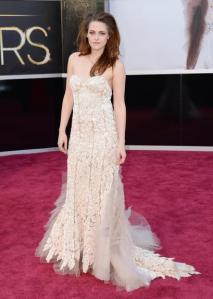 Kristen Stewart ficou bonita, mas um pouco sem curvas eu achei...