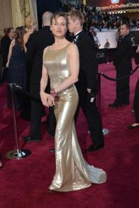 Renée Zellweger também sem excessos...