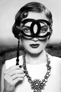 Eu quero uma baile de máscaras... Só pra usar essa Chanel!