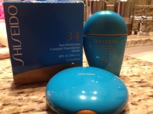 Minhas bases compacta e líquida da Shiseido.