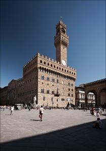 italy_florence_Piazza_della_Signoria_tall_01