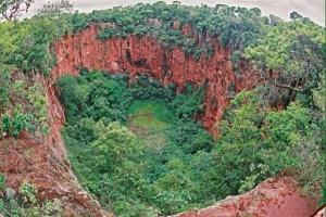 Buraco-das-Araras1